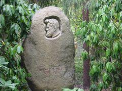Das Grab vom Pinselheinrich