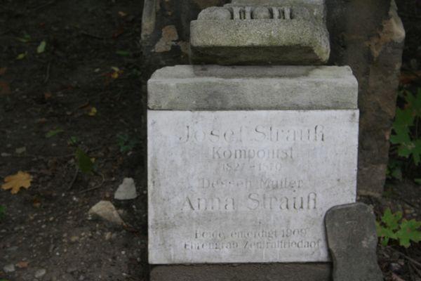 Das Grab von Josef Strauß in Wien
