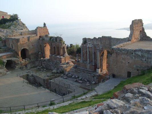 Das griechische Amphitheater in Taormina /Sizilien