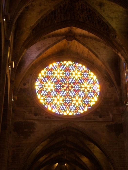 Das große Fenster der Kathedrale in Palma de Mallorca