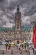 ...das Hamburger Rathaus...