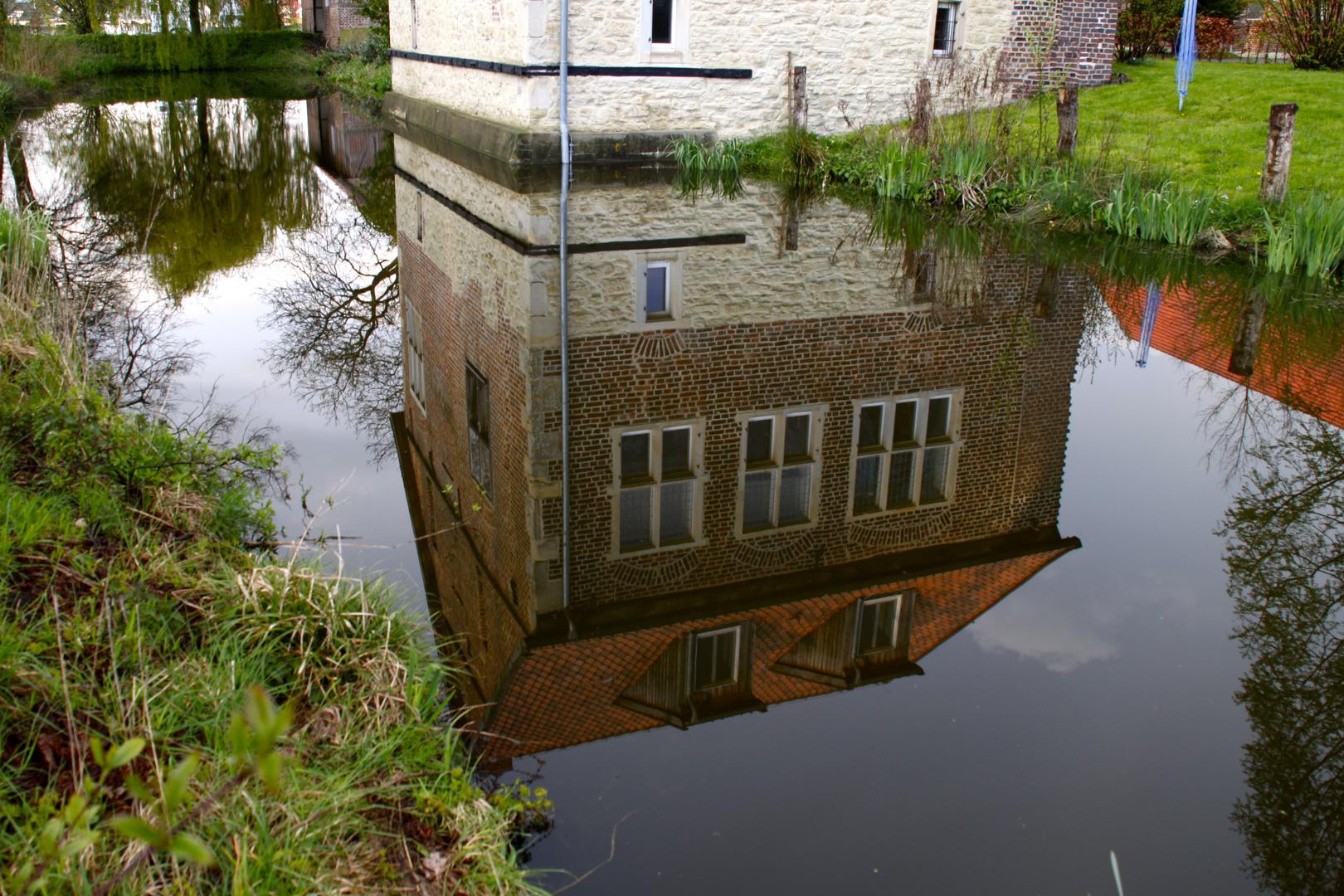 Das Haus im Teich, fast ein Stilleben...
