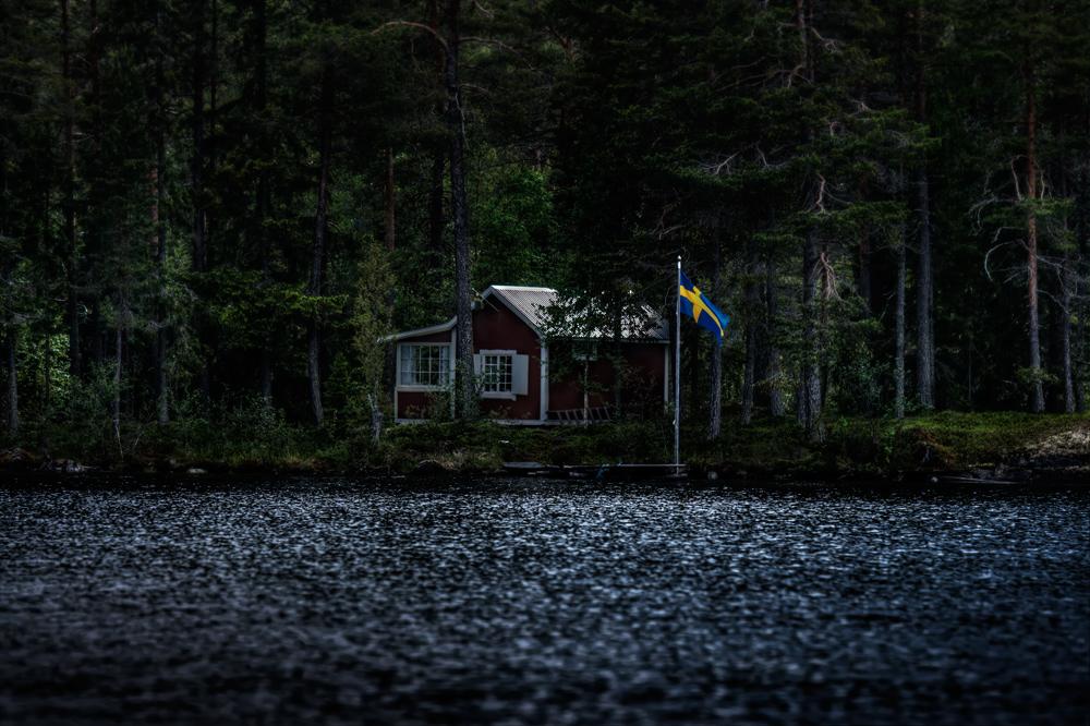 das haus im wald foto bild landschaft wald skandinavien bilder auf fotocommunity. Black Bedroom Furniture Sets. Home Design Ideas