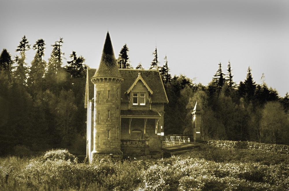 das haus mit dem t rmchen foto bild europe united kingdom ireland scotland bilder auf. Black Bedroom Furniture Sets. Home Design Ideas
