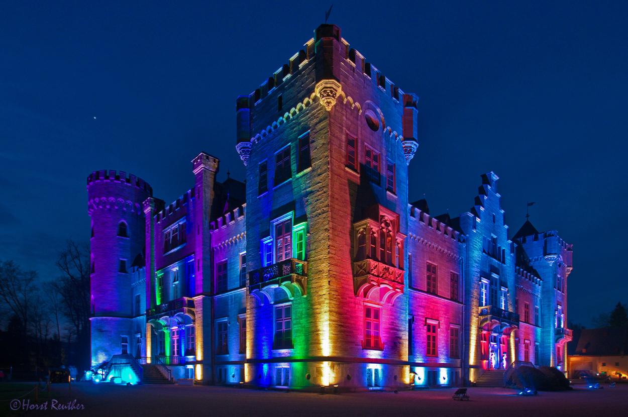 Das Herdringer Schloss in seiner Farbenpracht.