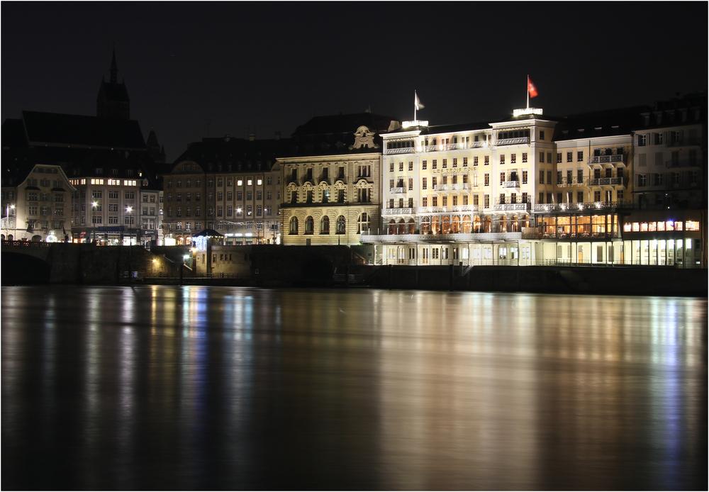 """Das Hotel """"Les Trois Rois"""" in Basel"""