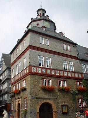 Das ist das Rathaus Herborn