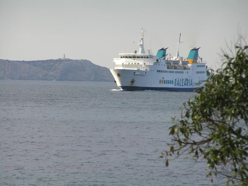 Das ist die Fähre die von Denia nach Ibiza kommt