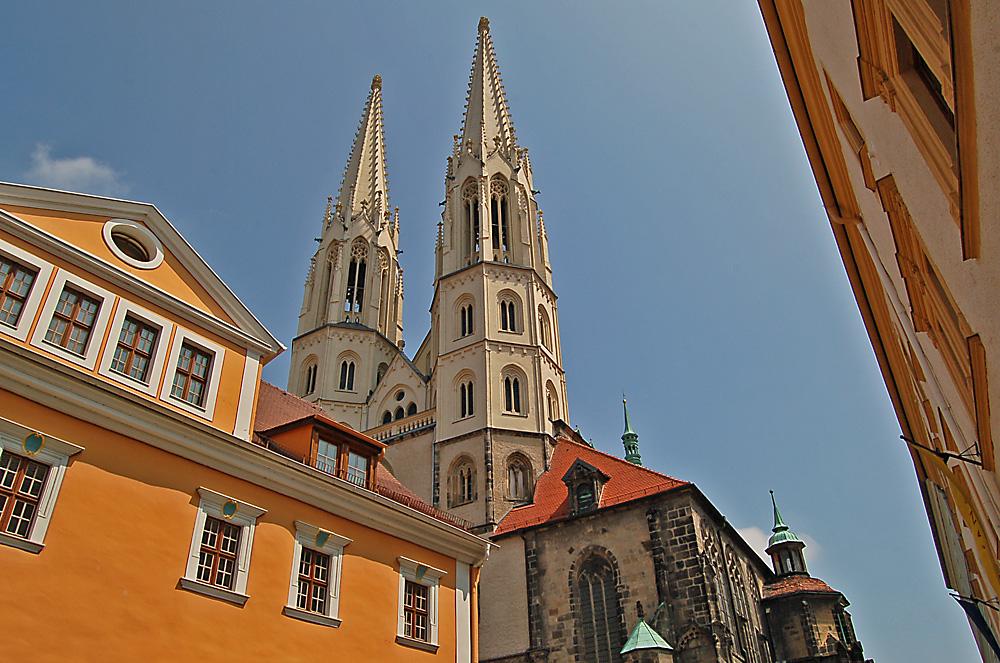 Das ist die Spitze (der Peterskirche)