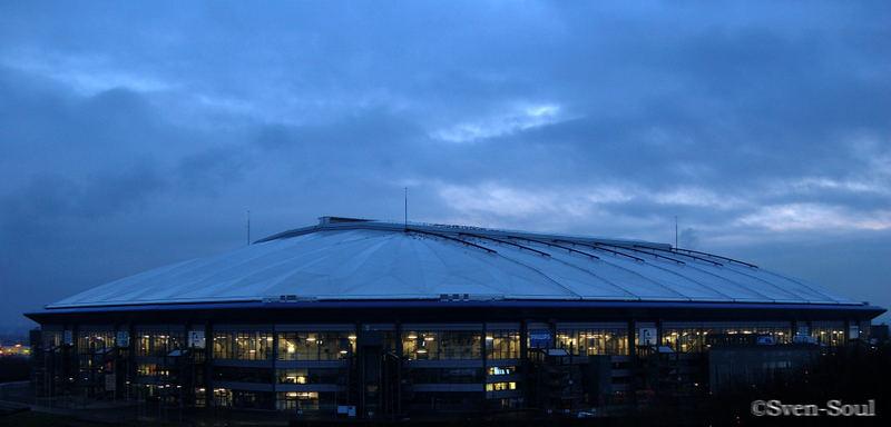 Das ist mal die Arena Bei Tag :)