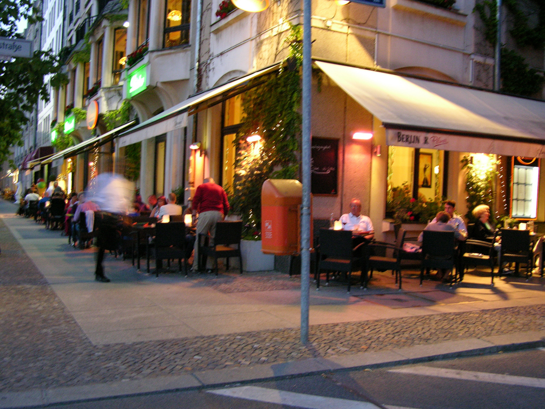 Das ist nicht Paris, es ist Berlin...am Gendarmen-Markt.