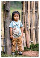 Das Kind fremdet; Erwachsene befremden. © Emil Baschnonga