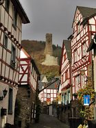 Das kleine Dorf Monreal . . . .