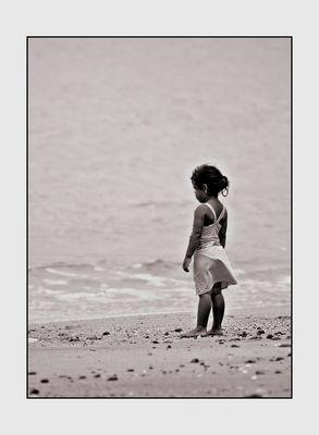 Das kleine Mädchen und das Meer ...