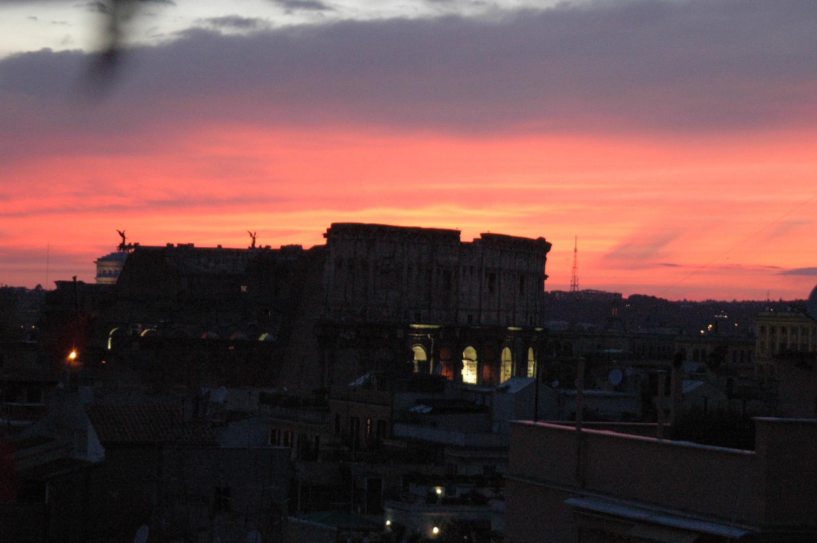 Das Kolosseum bei Sonnenuntergang