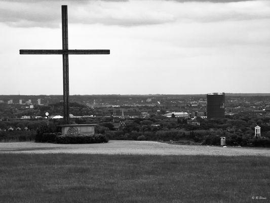 Das Kreuz auf der Halde Haniel