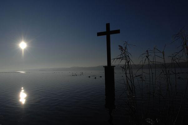 Das Kreuz im Starnberger See