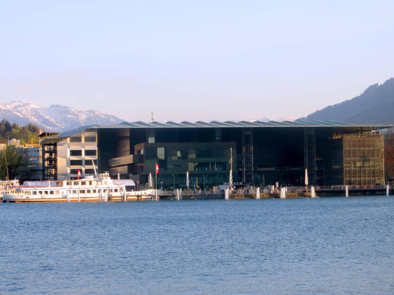 Das Kunst- & Kongresshaus Luzern (KKL) ...