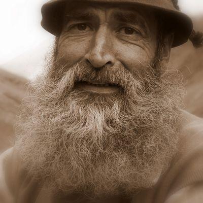 Das Lächeln im Bartwuchs