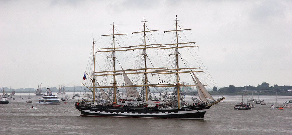 Das letzte komplette Segelschiff von der Sail 2005 - Krusenstern