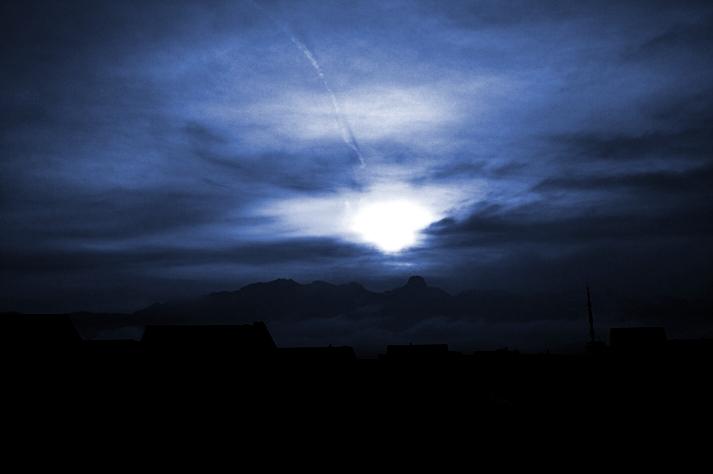 Das Licht vor der Dunkelheit
