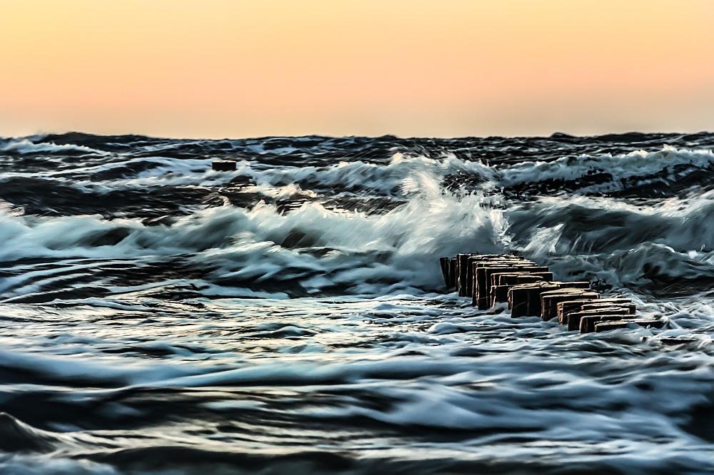 Das Meer aufgewühlt