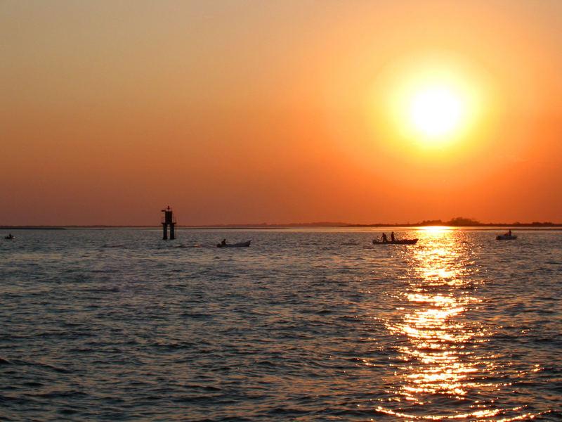 Das Meer beim Sonnenuntergang ...