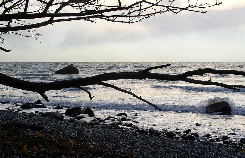 Das Meer in düsterer Stimmung