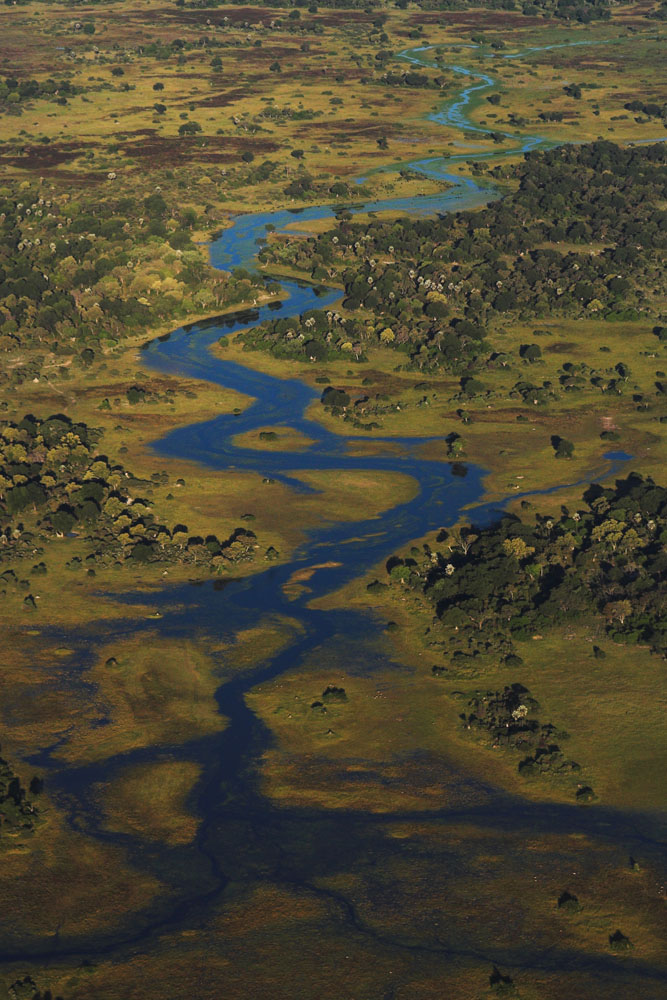 Das Okavango-Delta von oben (4/5)