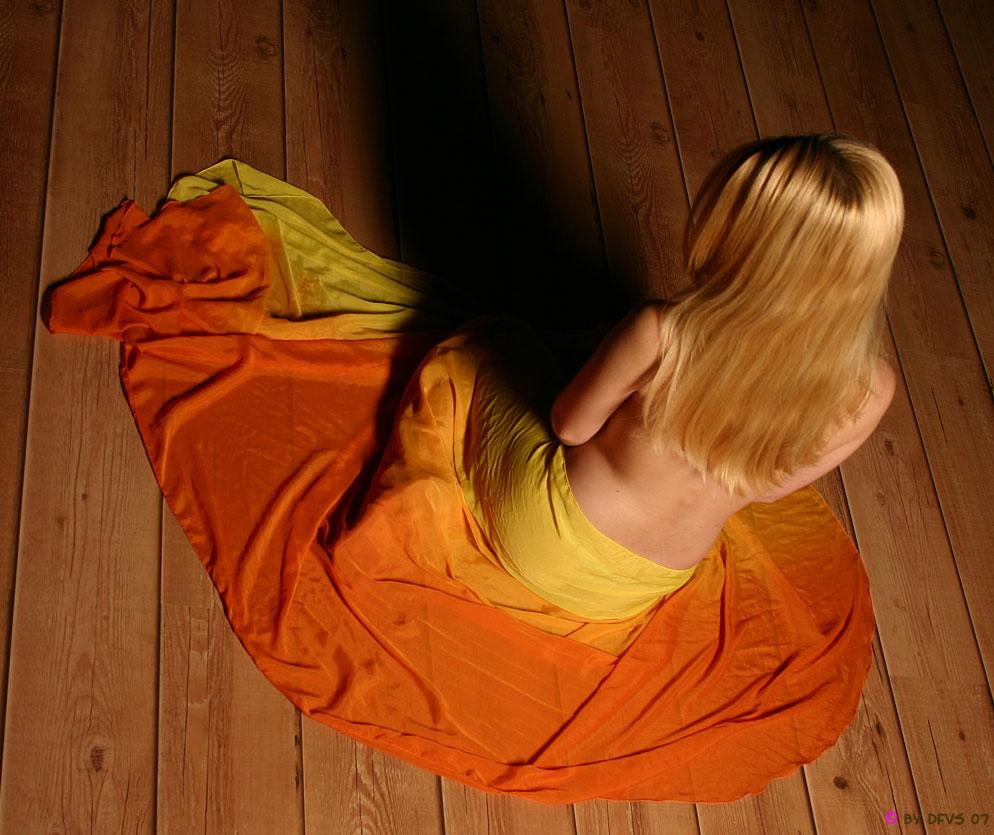 """das """"orange-gelbe tuch"""""""