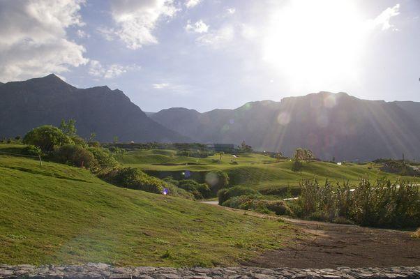 Das Panorama gestört durch einen Golfplatz...