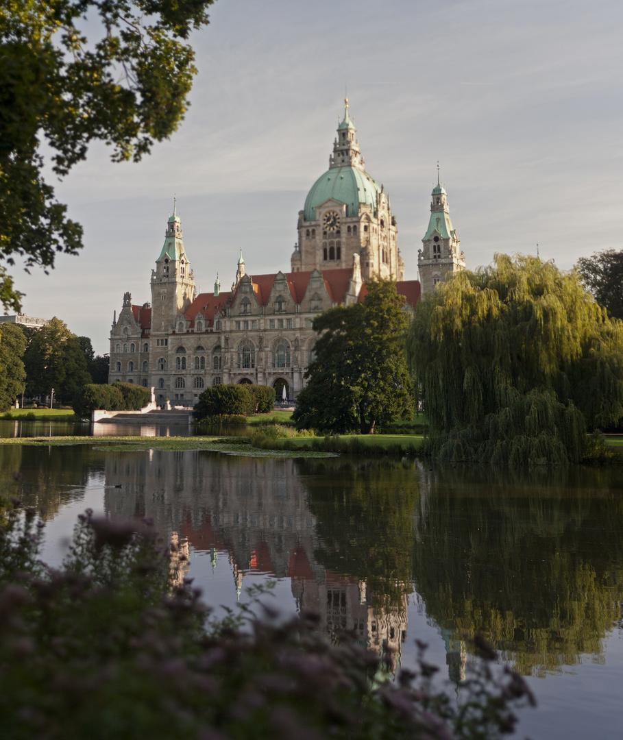 Das Rathaus Hannover am Morgen