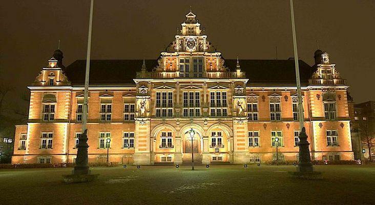 das Rathaus Harburg