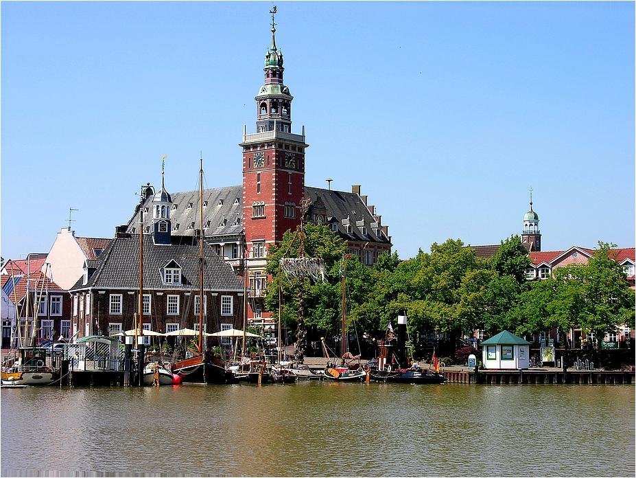 Das Rathaus von Leer in Ostfriesland