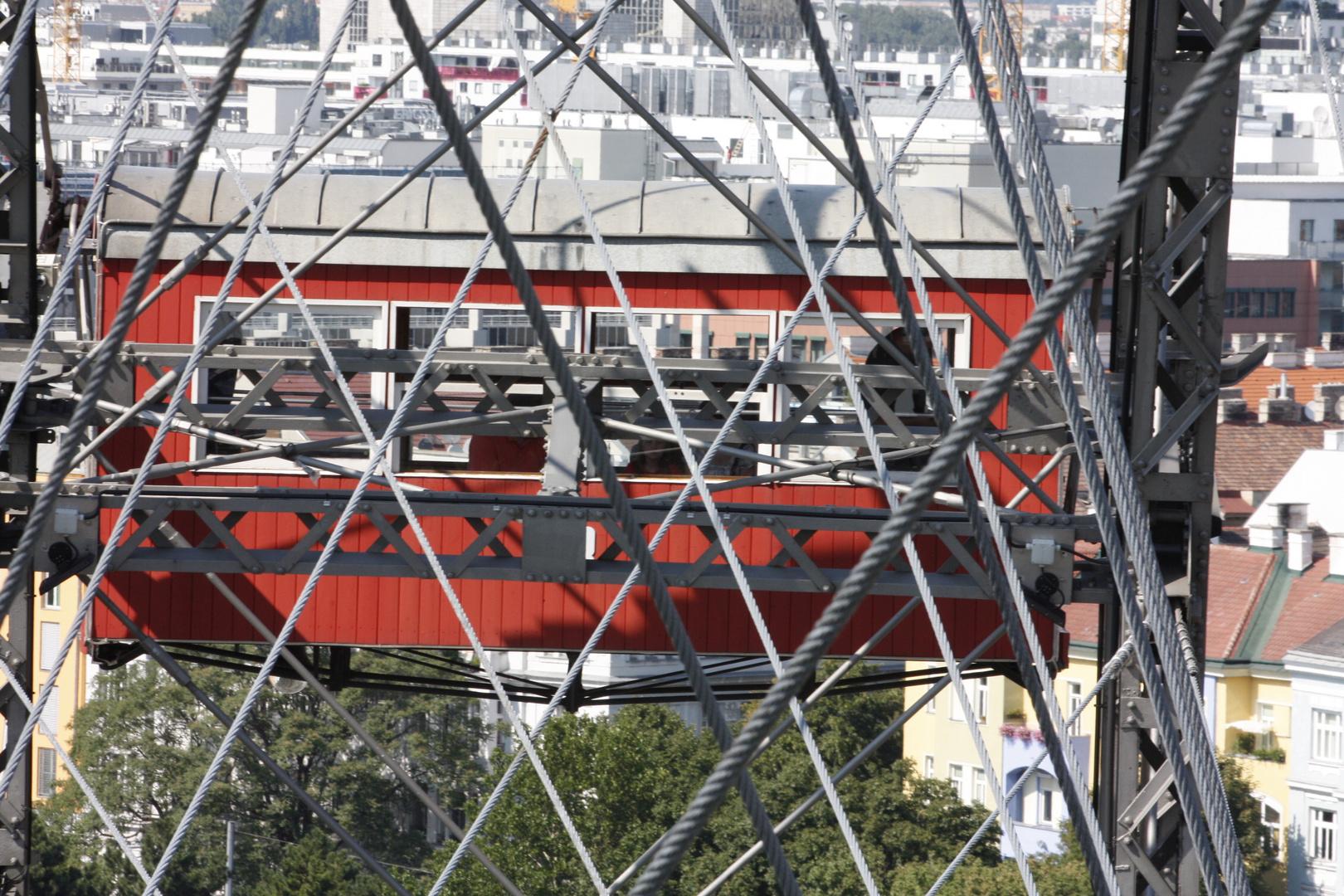 Das Riesenrad in WIEN - Viele Schrauben und Muttern halten die Seile