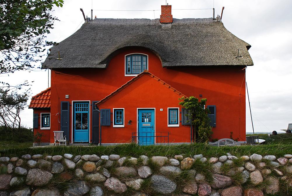 Das rote Haus am Meer