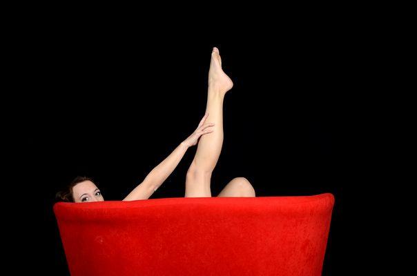 """Das rote Sofa"" vs ""Die rote Badewanne"""