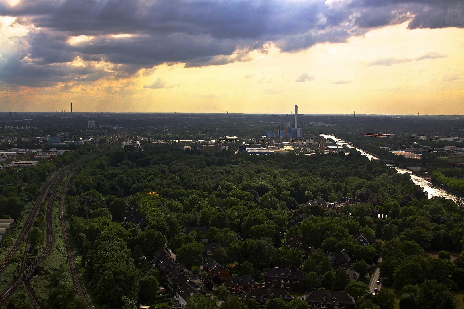 Das Ruhrgebiet ( Blick vom Gasometer  Oberhausen )