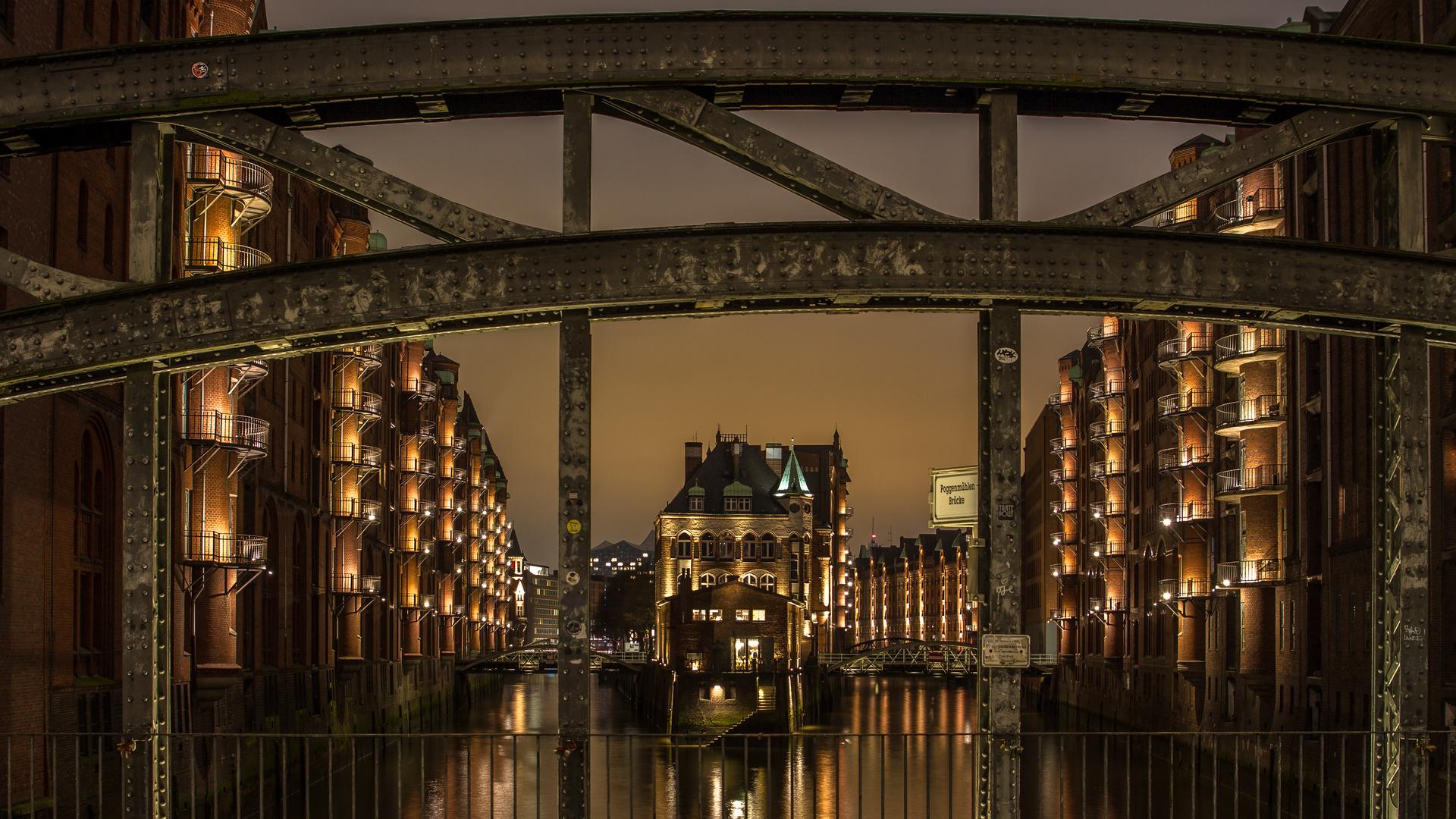 ...Das Schild zur Brücke
