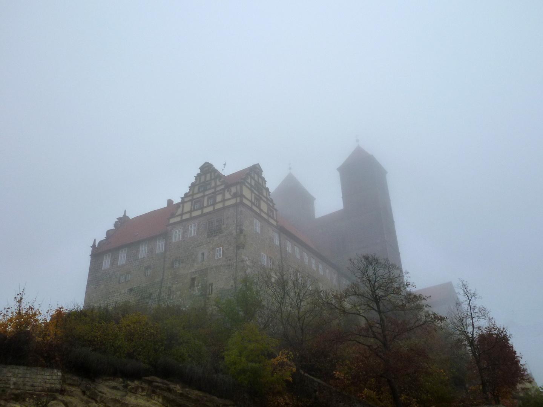 Das Schloss im Nebel