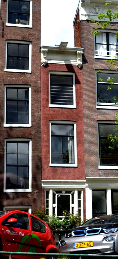 das schmalste haus in amsterdam foto bild architektur stra en br cken sight seeing. Black Bedroom Furniture Sets. Home Design Ideas