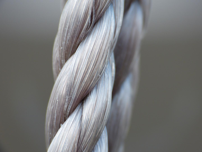 Das Seil der Kinderschaukel