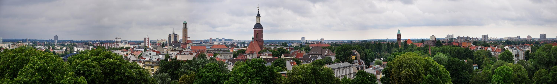 Das Spandauer (Berlin) Panorama sieht man im Sommer.....
