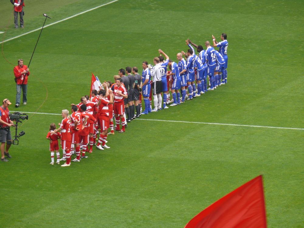 das Spiel kann beginnen (Bayern gegen Schalke)