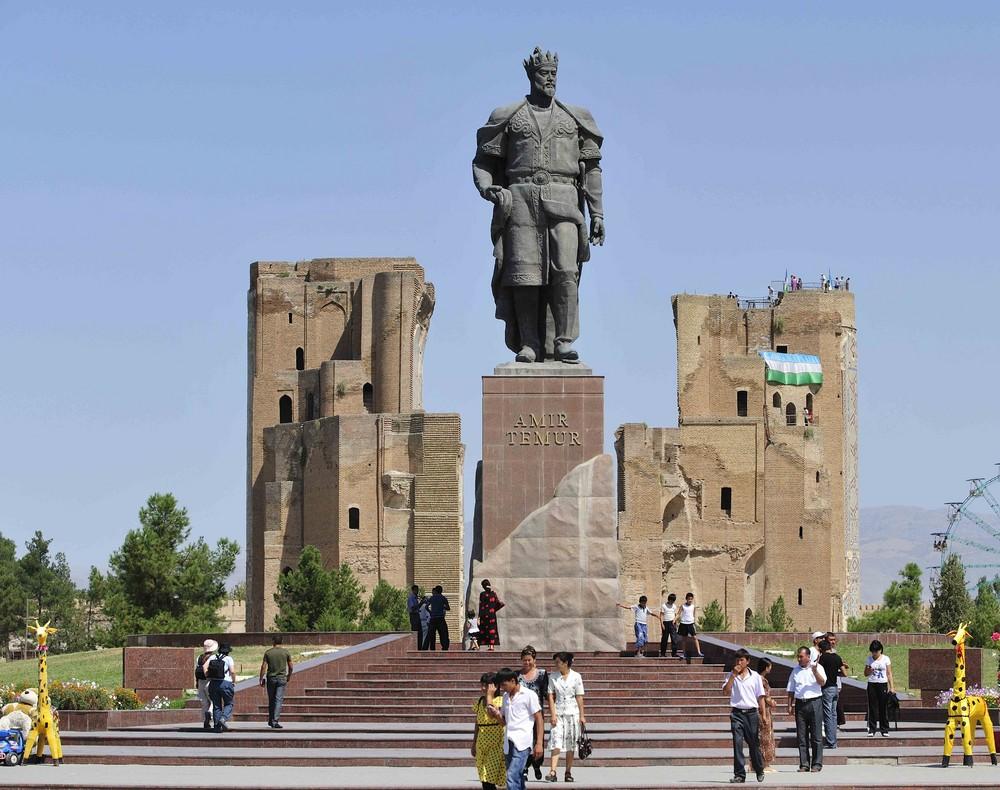 Das Standbild Amir Timurs in Shaxrisabz