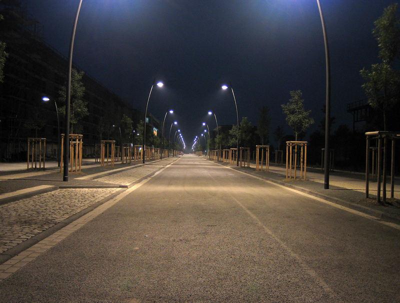 Das Surren der Strassenlampen