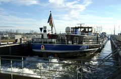 """Das Tankschiff """"Adria"""" aus Marktheidenfeld am Main"""