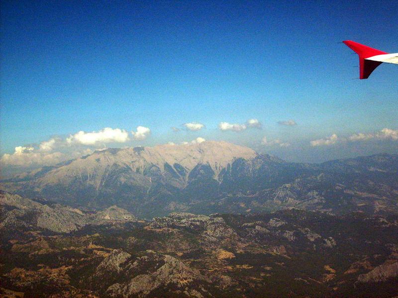 Das Taurus Gebirge aus 9.000 m. Höhe