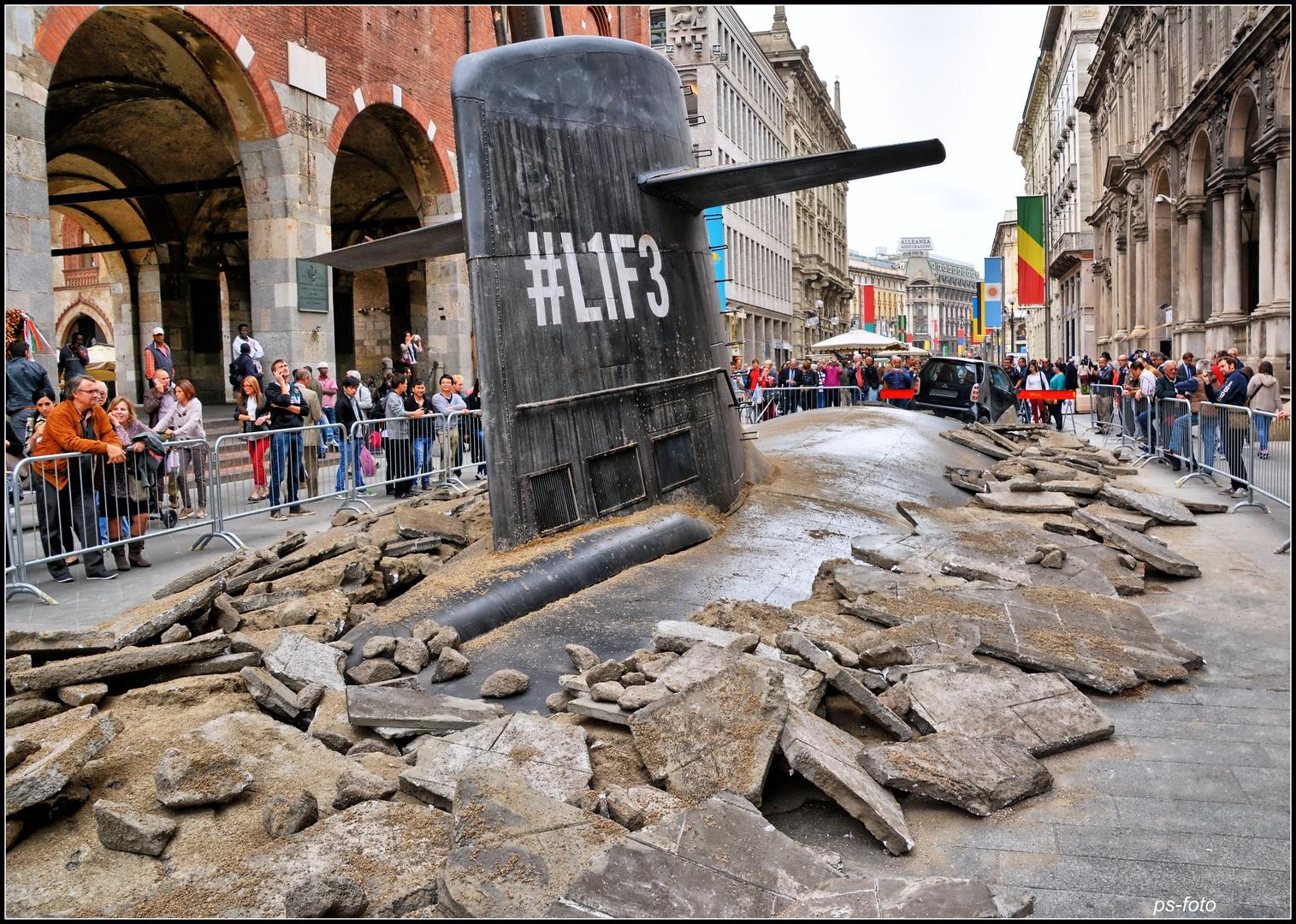 Das U-Boot tauchte im Zentrum von Mailand !