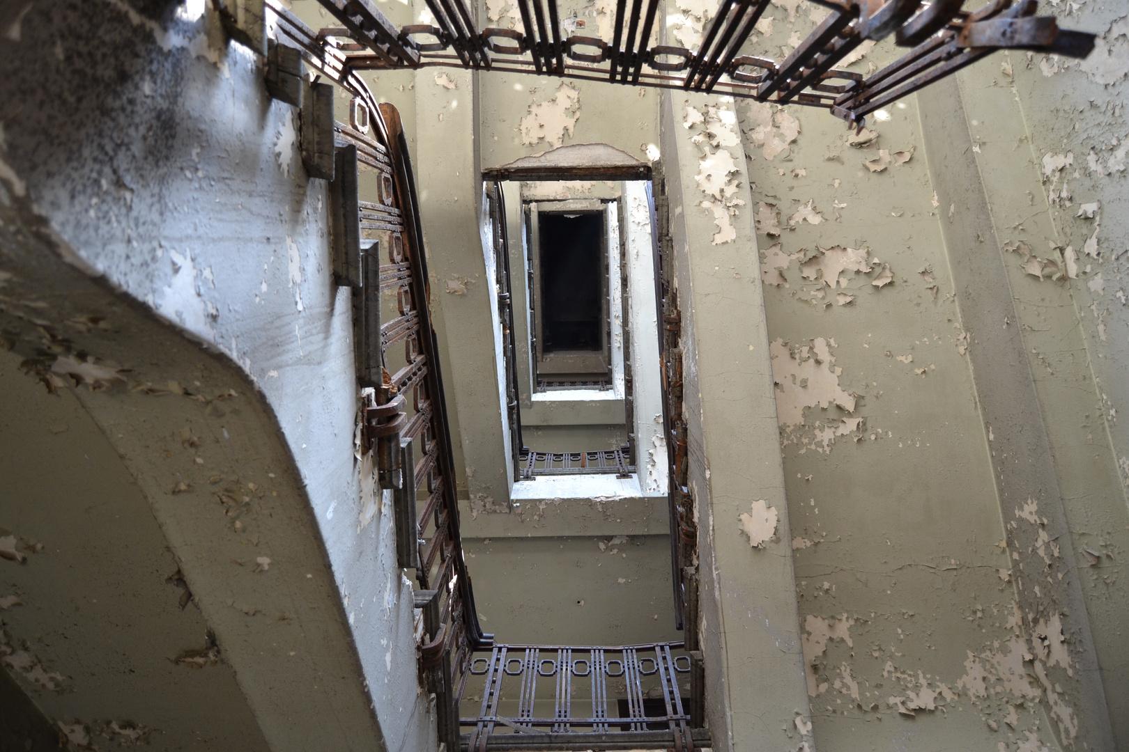 das verfallene treppenhaus
